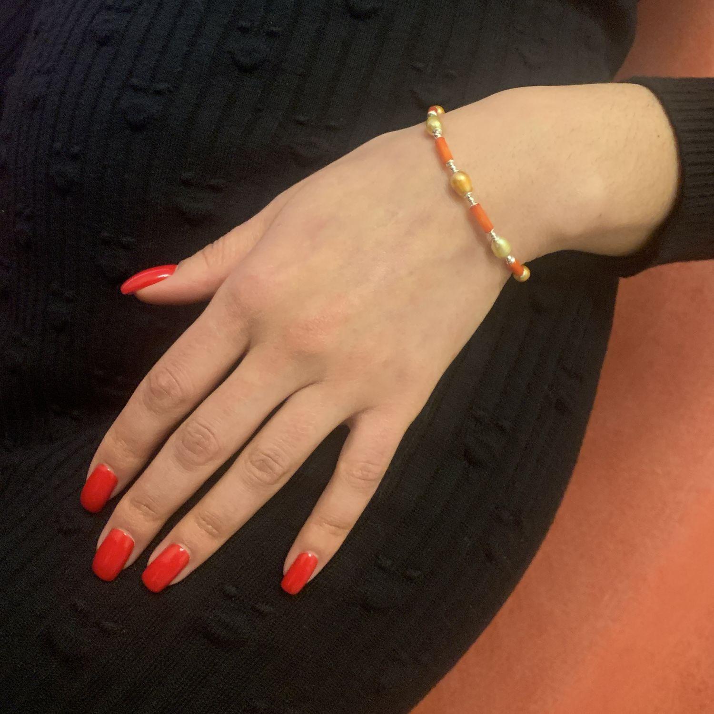 Рыжий и золотистый браслет из коралла и жемчуга с серебром 925, Браслет из бусин, Москва,  Фото №1