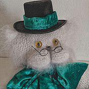 """Куклы и игрушки ручной работы. Ярмарка Мастеров - ручная работа Вязаный кот """"Белоснежный"""". Handmade."""