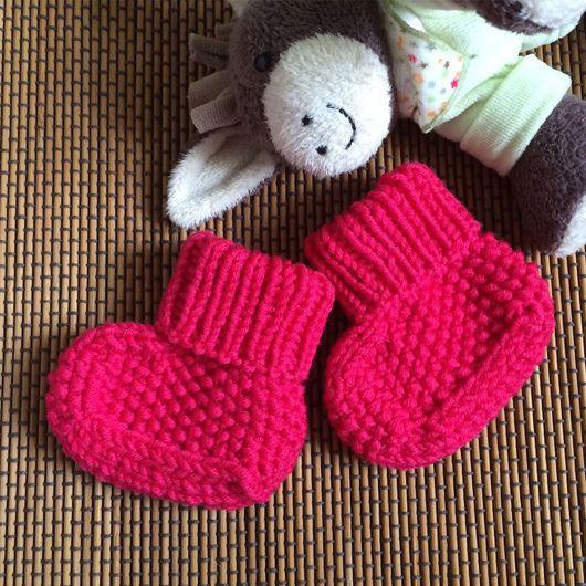 Носки, гольфы, гетры ручной работы. Ярмарка Мастеров - ручная работа. Купить Пинетки для девочки Фуксия (0-3 месяца). Handmade.