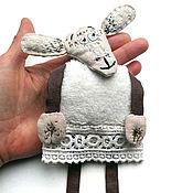 Мягкие игрушки ручной работы. Ярмарка Мастеров - ручная работа Овечка - мягкая игрушка с ручной вышивкой. Handmade.