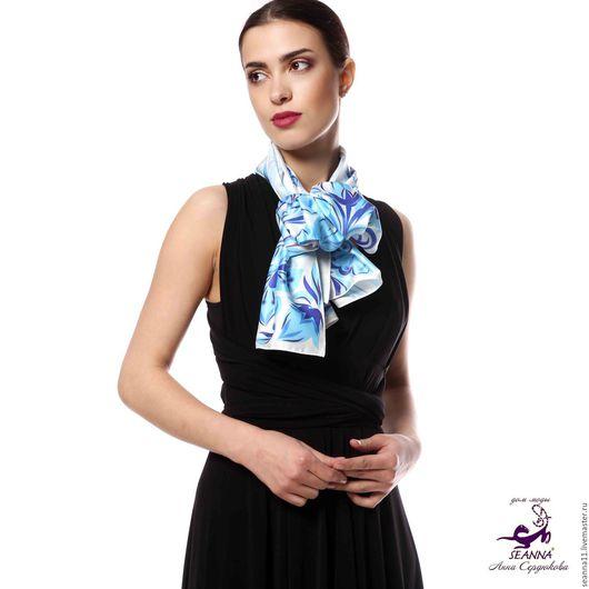 Дизайнер Анна Сердюкова (Дом Моды SEANNA).  Роскошный шелковый шарф дизайнерский `Голубая Гжель`. Размер шарфа - 45х140 см.  Цена - 3500 руб.