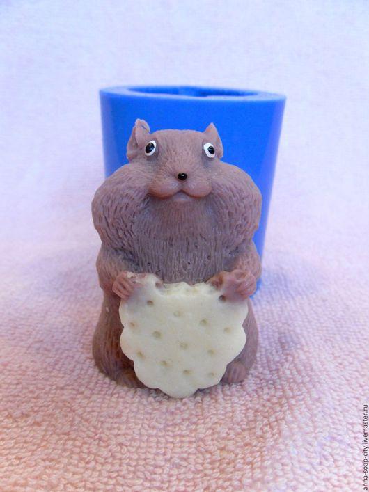 """Другие виды рукоделия ручной работы. Ярмарка Мастеров - ручная работа. Купить Силиконовая форма для мыла """"Хомяк с печеньем"""". Handmade."""