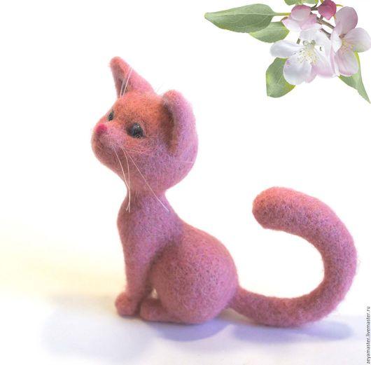 Игрушки животные, ручной работы. Ярмарка Мастеров - ручная работа. Купить Розовая кошечка Маргаритка. Валяная игрушка из шерсти. Handmade.
