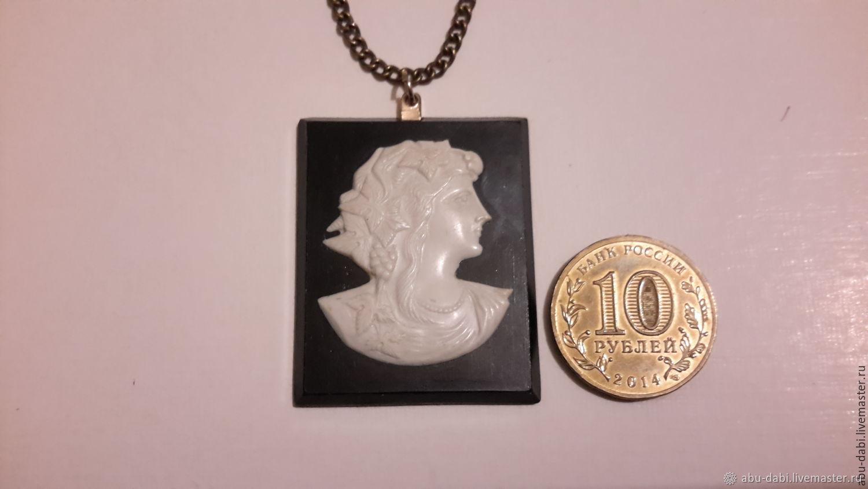 Pendant cameo pendant CZECHOSLOVAKIA, vintage 1970s metal and bakelite, Vintage pendants, Moscow,  Фото №1
