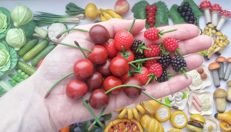 Фигурки ягод из полимерной глины, Кукольная еда, Москва,  Фото №1
