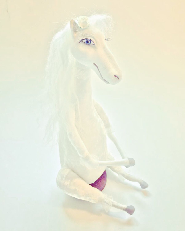 этот открытки пивоварова одна лошадка белая хватает приключений