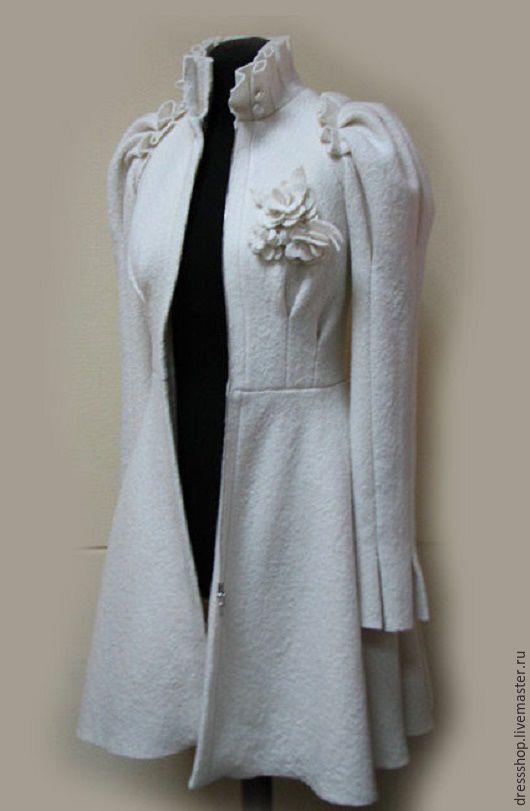 """Верхняя одежда ручной работы. Ярмарка Мастеров - ручная работа. Купить Фантазийное пальто """"Свадебное"""". Handmade. Белый, свадебное пальто"""