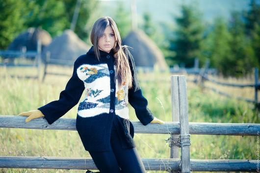 Жакет c капюшоном `Интеллигентный сдержаный пейзаж` 6166