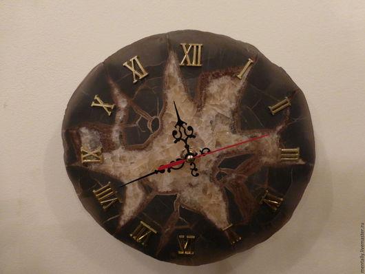 Часы ручной работы с уникальным живописным рисунком...