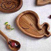 Посуда ручной работы. Ярмарка Мастеров - ручная работа Детская деревянная тарелка Кит. Handmade.