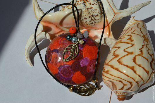 """Кулоны, подвески ручной работы. Ярмарка Мастеров - ручная работа. Купить Кулон из полимерной глины """"Акварельная мандала"""". Handmade. Оранжевый"""