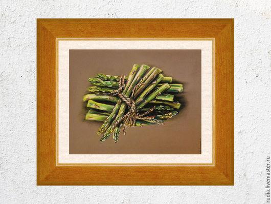 Картина пастелью Спаржа из серии `На кухне` с изображениями продуктов гармонично впишется в любой интерьер и наполнит пространство цветом и светом.