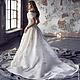 Дизайнерское свадебное платье Ludovica Luxe со шлейфом. Царственная роскошь для утонченной аристократки! Авторские украшения из самоцветов,  драгоценного бисера, Swarovski и фианитов.
