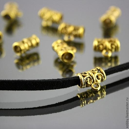 Ажурные бусины бейлы для подвесок под круглый шнур до 3 мм диаметром или ленточку или металлический чокер шириной до 3 мм\r\nЦвет бейлов античное золото с чернением\r\nМатериал сплав с покрытием под з