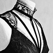Одежда ручной работы. Ярмарка Мастеров - ручная работа Черное кружевное платье футляр из Шантильи и шелка. Handmade.