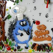 """Для дома и интерьера ручной работы. Ярмарка Мастеров - ручная работа """"Пирог с ягодкой"""", часы настольные. Handmade."""