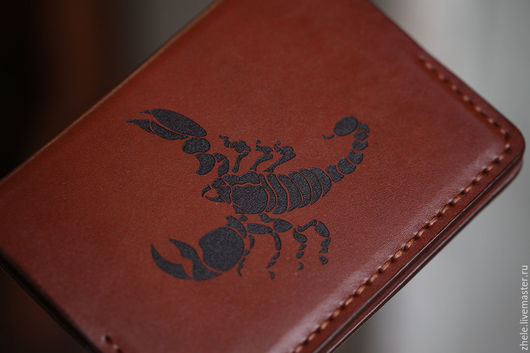 """Обложки ручной работы. Ярмарка Мастеров - ручная работа. Купить Обложка для паспорта """"Скорпион"""" из кожи. Handmade. Коричневый, кожа, гравировка"""