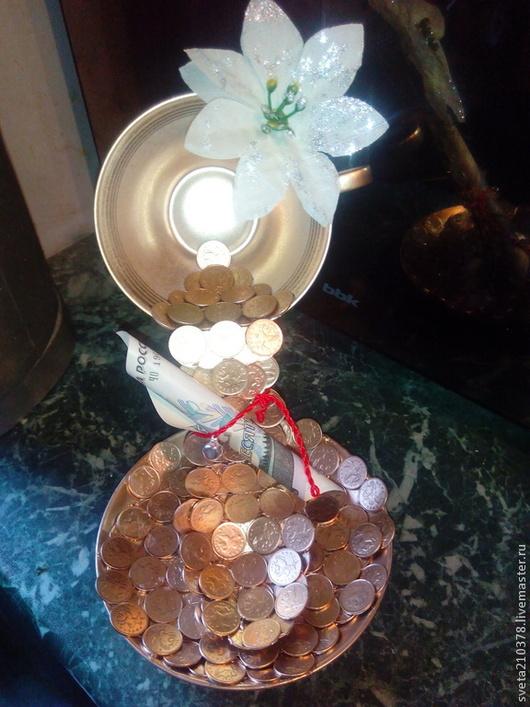 Парящая денежная чашечка