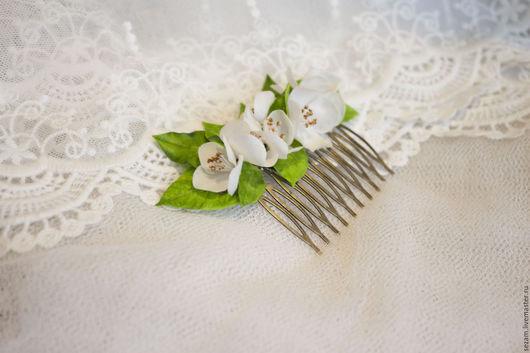 """Заколки ручной работы. Ярмарка Мастеров - ручная работа. Купить Гребень """"Floraison"""". Handmade. Белый, гребень для невесты, украшение для волос"""