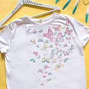 Одежда ручной работы. Ярмарка Мастеров - ручная работа Футболка с росписью Summer Butterflies. Handmade.