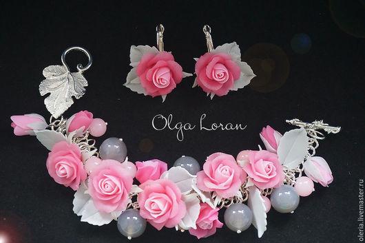 Серо-розовый комплект с розами и бусинами дымчатого агата и розового кварца.