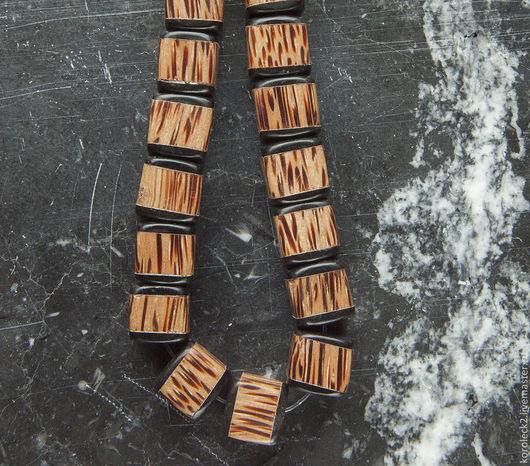 Для украшений ручной работы. Ярмарка Мастеров - ручная работа. Купить Бусины-кубики из пальмового дерева с шапочками из черного рога. Handmade.