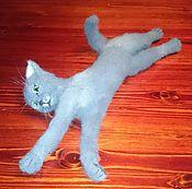 Куклы и игрушки ручной работы. Ярмарка Мастеров - ручная работа Валяная из шерсти игрушка. Валяный серый котенок Джоконда.. Handmade.