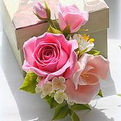 """Украшения ручной работы. Ярмарка Мастеров - ручная работа Брошь """"Roses and freesia"""" с цветами ручной работы. Handmade."""