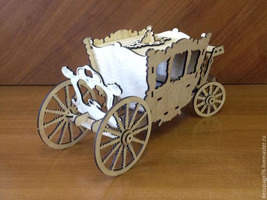 Конфетница `Карета Лорда-мэра Лондона` (продается в разобранном виде на палетках) Габарит кареты: 47х16х20 см Размер шкатулки под конфеты: 21х16х16 см Материал: фанера 4 мм
