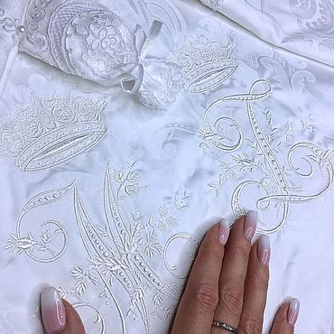Свадебный салон ручной работы. Ярмарка Мастеров - ручная работа Свадебное белое постельное белье с кружевом и жемчугом. Handmade.
