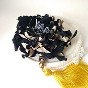 Цветы и флористика handmade. Livemaster - original item Flowers: Black velvet brooch rose Frida. Handmade.