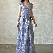 Серое платье вышитое пайетками