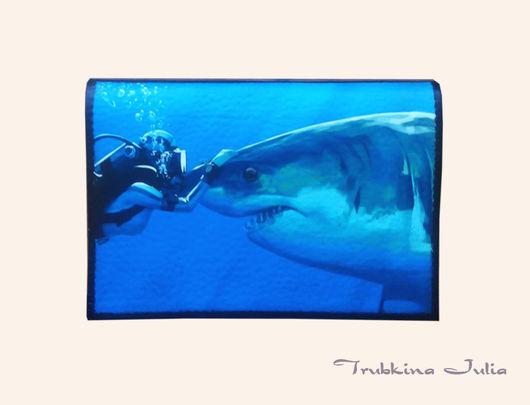"""Обложки ручной работы. Ярмарка Мастеров - ручная работа. Купить Обложка на паспорт """"Поцелуй акулы"""". Handmade. Натуральная кожа"""