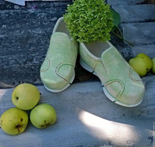 Обувь ручной работы. Ярмарка Мастеров - ручная работа. Купить Слипоны Мыльные пузыри. Handmade. Мятный, женская обувь