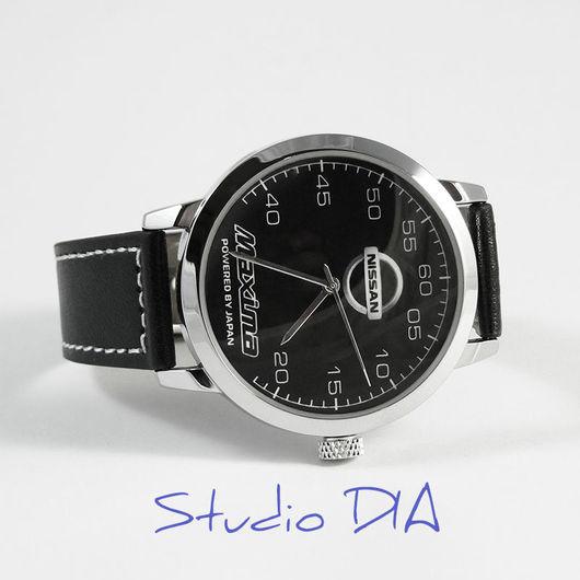 Часы Оригинальные Дизайнерские Наручные Часы - Nissan Maxima. Студия Дизайнерских Часов DIA.