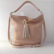 Кожаная сумка на плечо.Бледно-розовый, пудровый цвет. Кожаная сумка