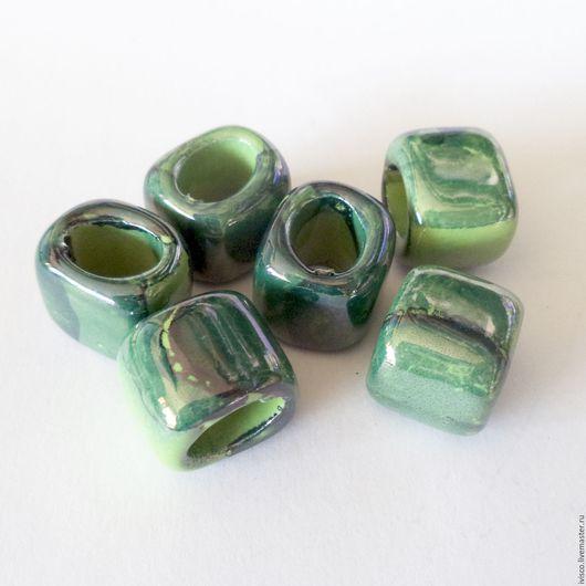 Для украшений ручной работы. Ярмарка Мастеров - ручная работа. Купить Керамические бусины для кожаных браслетов Regaliz зеленые. Handmade.
