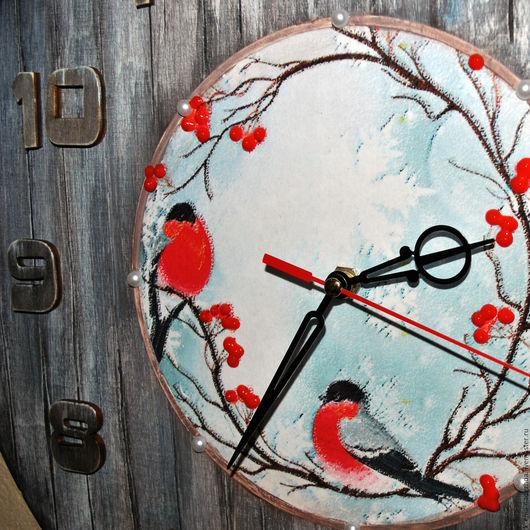 """Часы для дома ручной работы. Ярмарка Мастеров - ручная работа. Купить Часы настенные """" Снегири"""". Handmade. Часы интерьерные"""