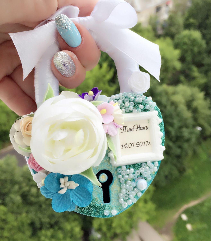 Свадебный замок с цветами
