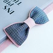 Аксессуары ручной работы. Ярмарка Мастеров - ручная работа Галстук-бабочка синяя клетка на розовом. Handmade.