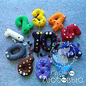Куклы и игрушки ручной работы. Ярмарка Мастеров - ручная работа Цифры из фетра с ручками и ножками. Handmade.