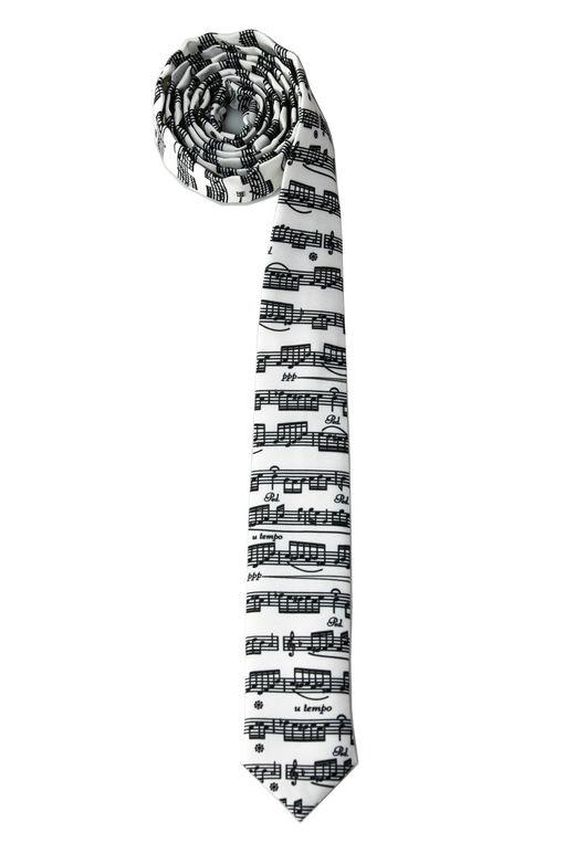 Этот необычный галстук полностью заполнен нотами! Стильный мужской аксессуар для настоящих музыкантов:)