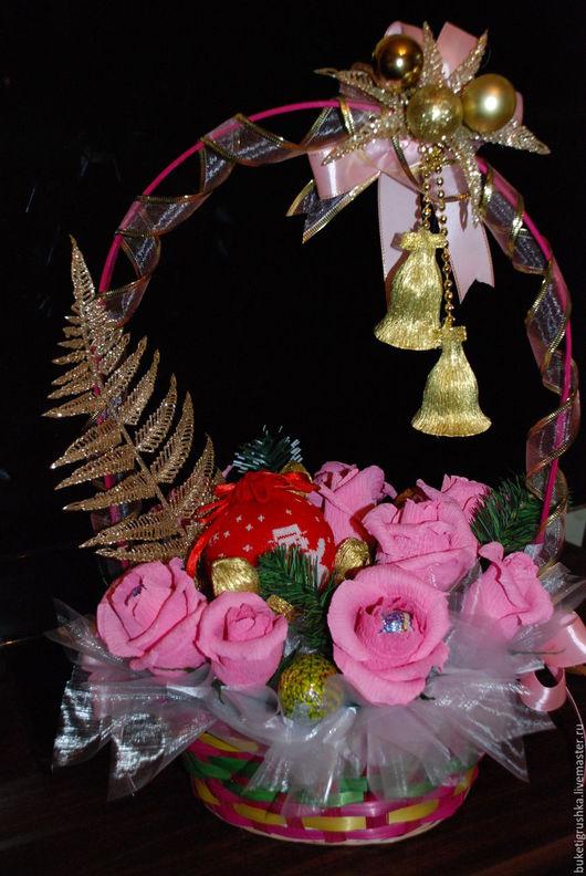 Подарочные наборы ручной работы. Ярмарка Мастеров - ручная работа. Купить Новогодняя корзина. Handmade. Комбинированный, букет из конфет