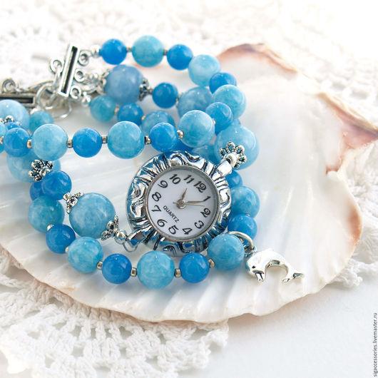 """Часы ручной работы. Ярмарка Мастеров - ручная работа. Купить """"Волны цвета неба"""" - часы-браслет и серьги. Handmade. Голубой"""