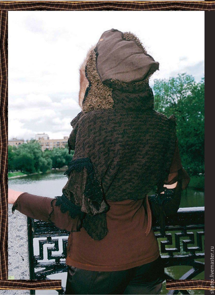 Вязаная кофта с капюшоном женская