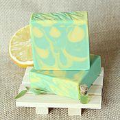 """Косметика ручной работы. Ярмарка Мастеров - ручная работа """"Зеленый чай и лимон"""" ароматизированное мыло с нуля. Handmade."""