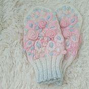 Аксессуары handmade. Livemaster - original item Mittens, knitted with needles embroidery Winter morning. Handmade.