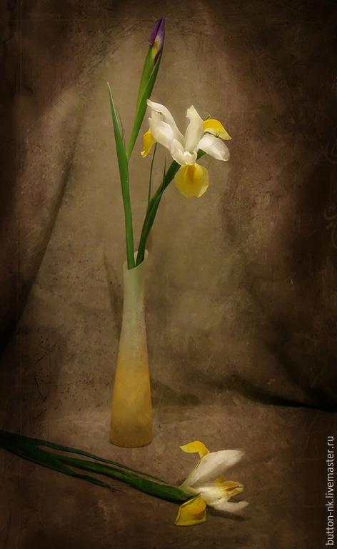 Фотокартины ручной работы. Ярмарка Мастеров - ручная работа. Купить Натюрморт Ирисы (желтые). Handmade. Желтый, зеленый, бежевый, коричневый