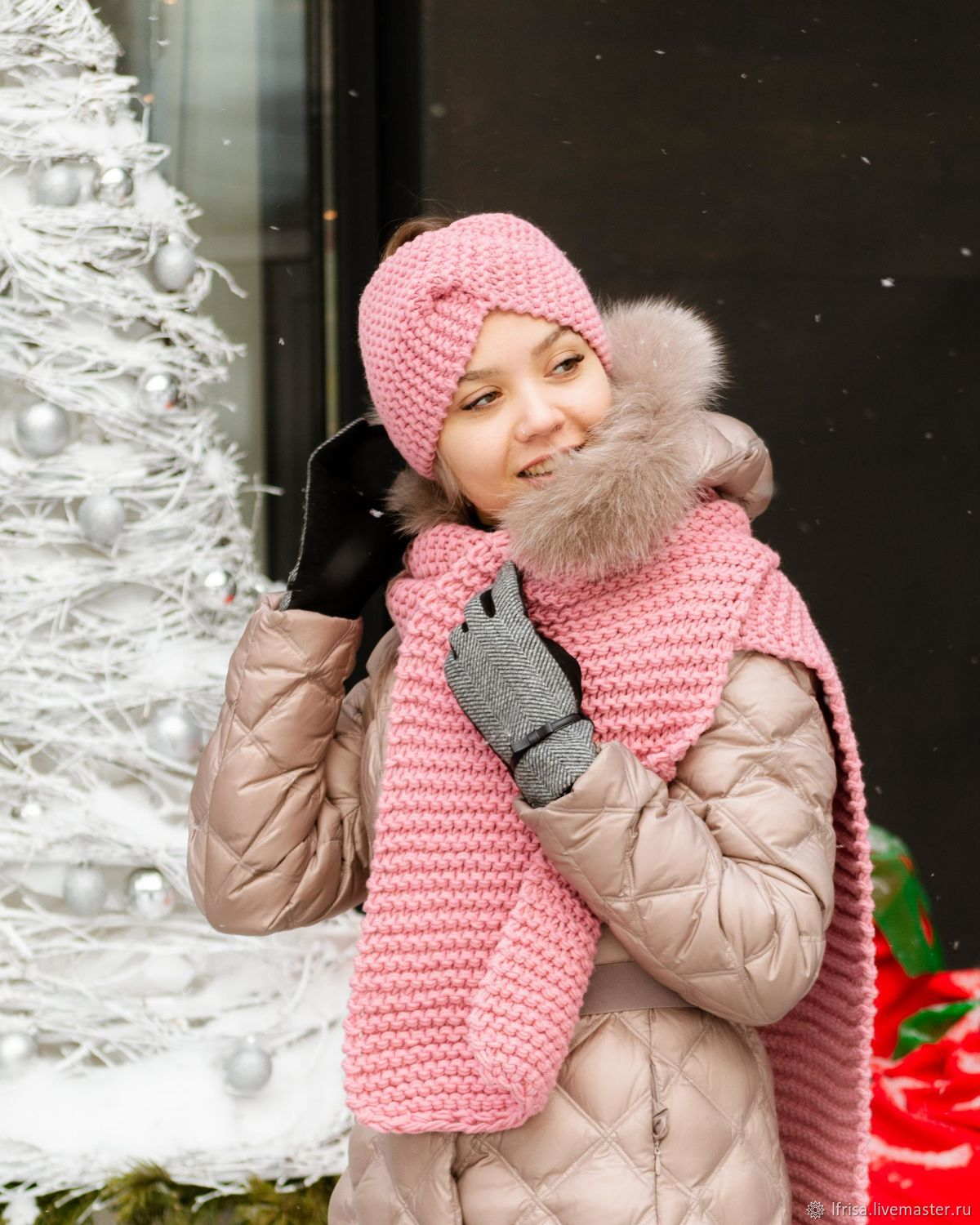 The headband and scarf are pink, Accessories kits, Novosibirsk,  Фото №1