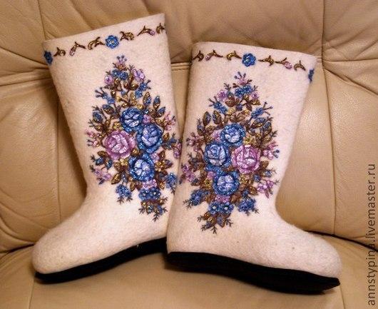 Обувь ручной работы. Ярмарка Мастеров - ручная работа. Купить цветы. Handmade. Валенки, Валяние, войлок, шерсть, зима, подарок